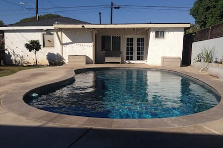 Guest House near LAX airport - Huis