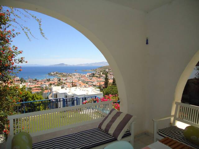 Sunrise & Seaview Apart with Pool & WiFi/TV - Datça - Daire