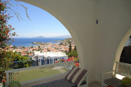 Sunrise & Seaview Apart with Pool & WiFi/TV - Datça
