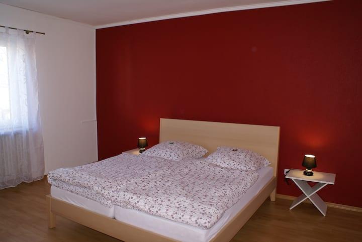 Schöne 100 qm Ferienwohnung mit zwei Schlafzimmern