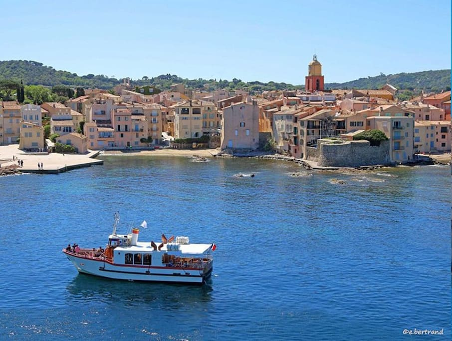 la Pouncho boat that takes you from the apartment to Saint Tropez
