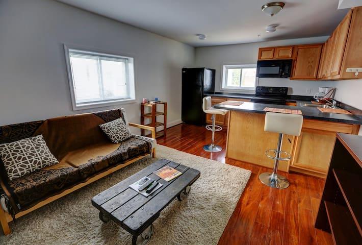 Carver Pointe Condo- 1 Bedroom