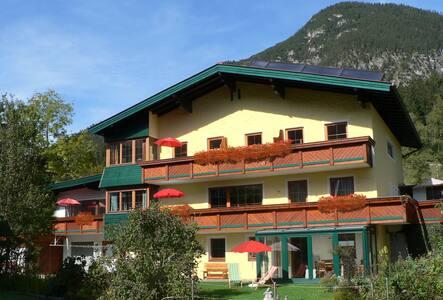 Weissenbach, der Urlaubstraum am Achensee