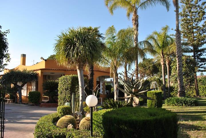 Villa Amarcord  Fontane B. 400 mt dal mare WiFi