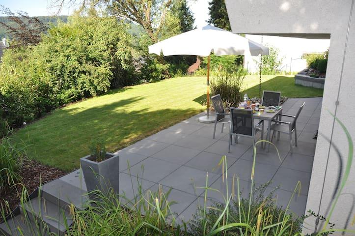 Moderne vakantiewoning in de wijnbergen - Illingen - Appartement