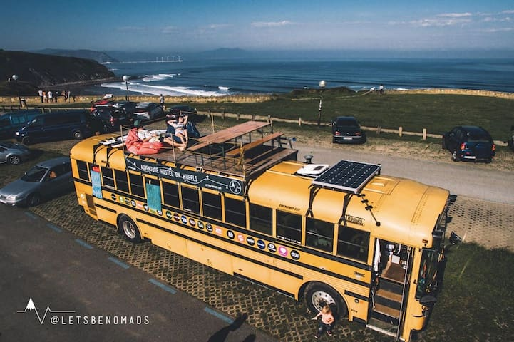 The adventure hostel on wheels: The Nomads Bus - Tux - Penzion (B&B)