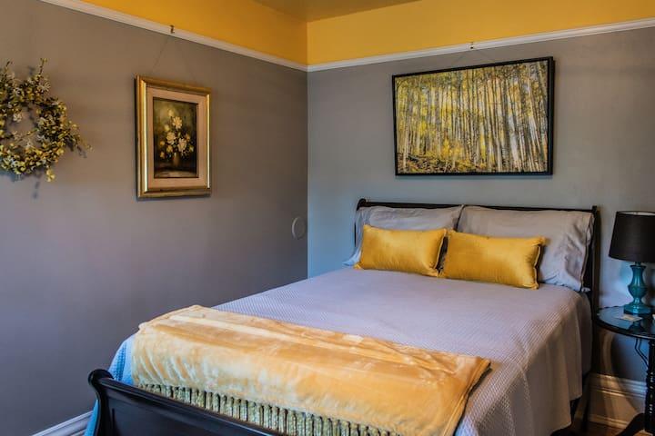 Martin Room - Sunniva Inn