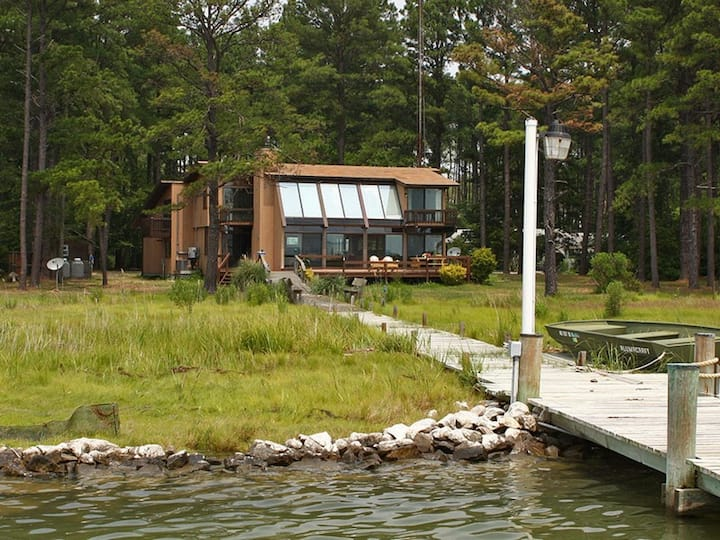 Bay Water Cottage - Private Bayfront Retreat from the World!