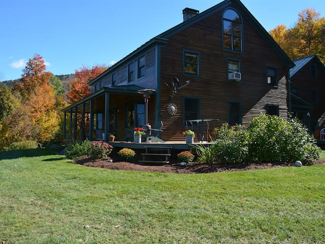South Hill Lodge- Private 5 BR home