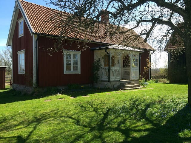 Cottage on the countryside of Öland farmersvillage - Mörbylånga N - Houten huisje