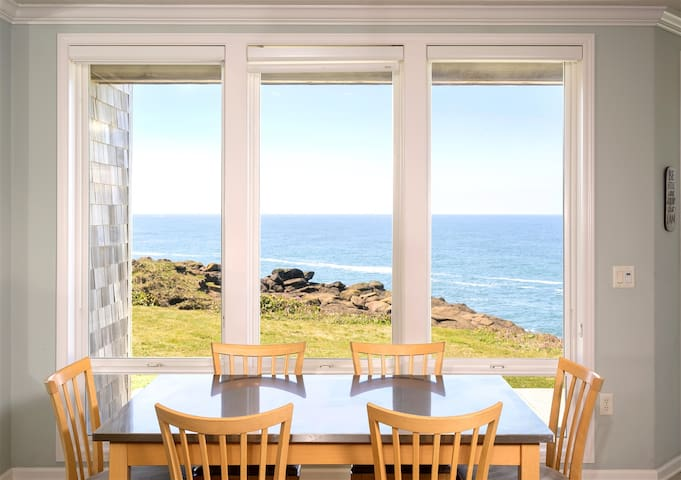PARADISE REGAINED: End Oceanfront 3BR, Whale Watch