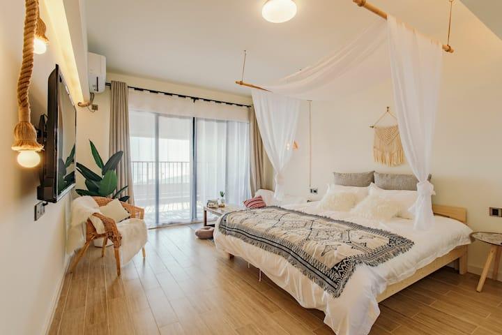 【一栈 · 海】保利—海寓—阳台吊椅观赏海景—波西米亚特色海景一房一厅双床房