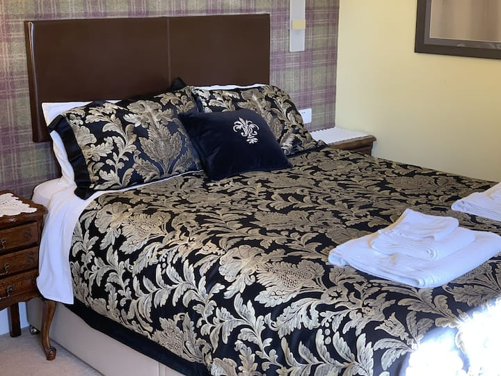 Our Double Room with luxury en-suite with Sea View