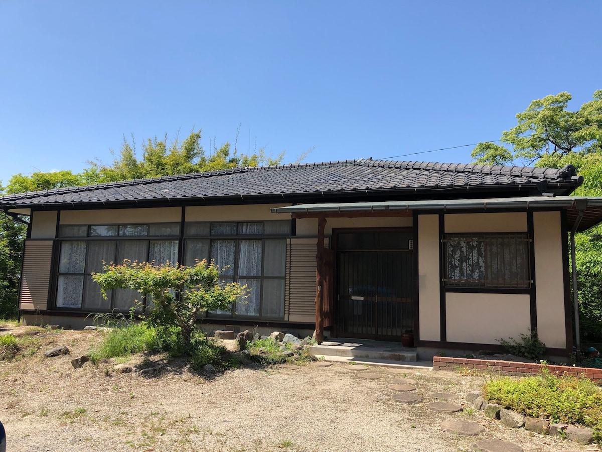 Ushizu Small Castle ペットと泊まれる一軒家貸切