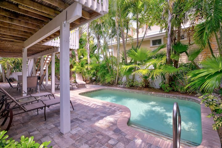 Across street from Beach ~ Tropical Yard + Pool!