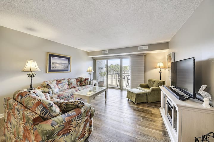 2 bedroom / 2 bath in Bluff Villas located in South Beach Sea Pines.