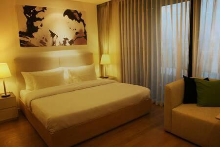 Charming New 2 Bedroom @Niman w/ Pool & Gym