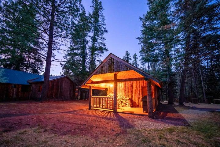 Corkins Lodge - Piñion Cabin
