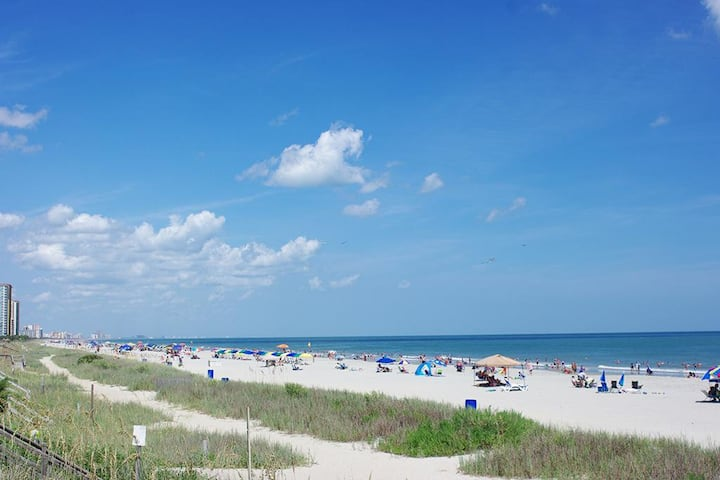 Blue Water Resort, feel the ocean breeze