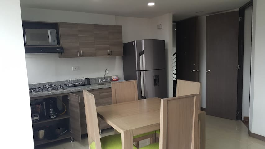 New furnished apartment. Near from Metro station - Medellín - Apartmen