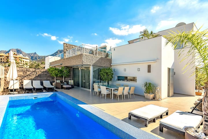 Villa LUX with Private Heating pool