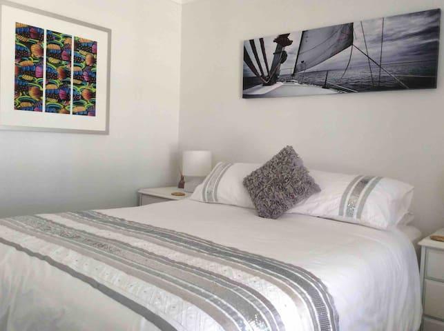 Bayside bnb Queen bedroom
