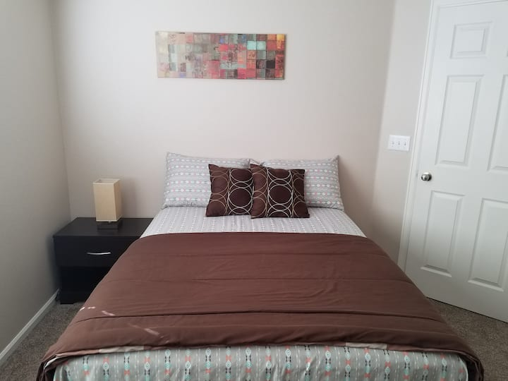 Cozy Stay-2 Bedroom By DIA