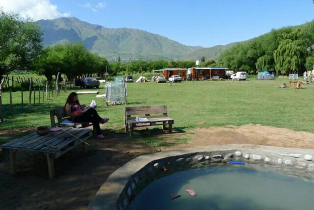 Pileta con agua pura del cerro, sin chemicos. Vista sobre el terreno de 3500 m2.