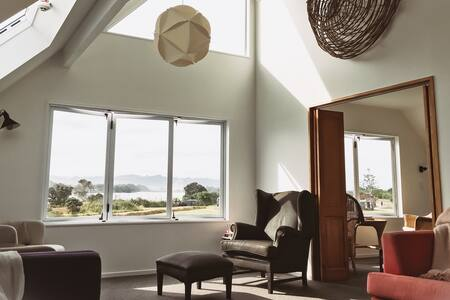 400m to surf, harbour and hill views, sleeps 1-10