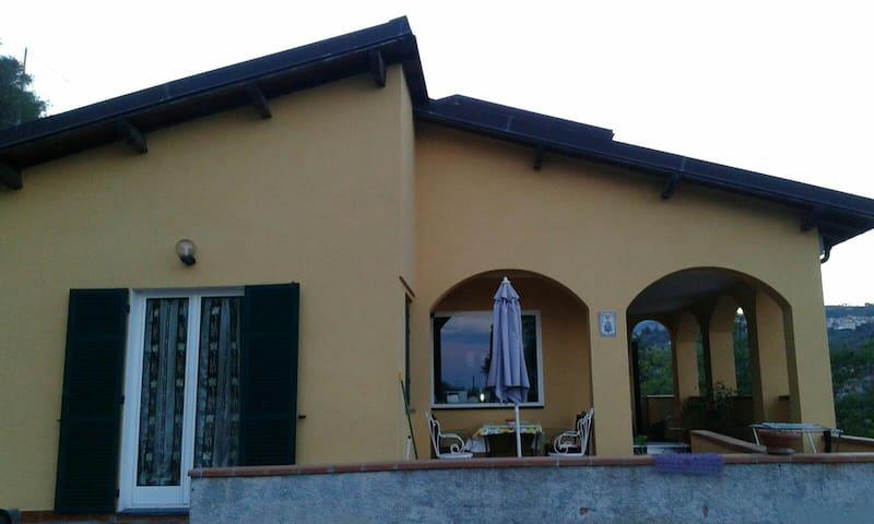 Villa bifamiliare 5 minuti dal mare - San Lorenzo al Mare - Apartamento