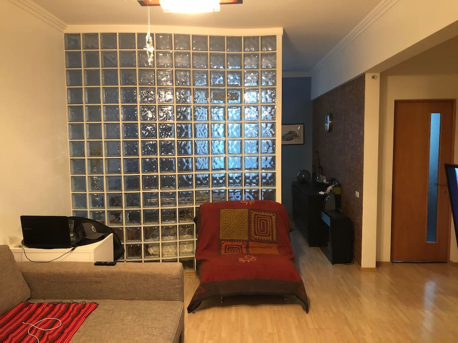 Living room + enter to the bedroom