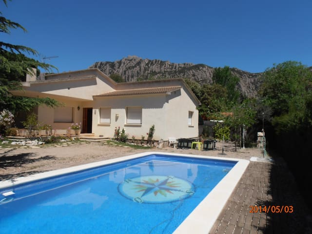 Exclusive Villa with pool - Collbató