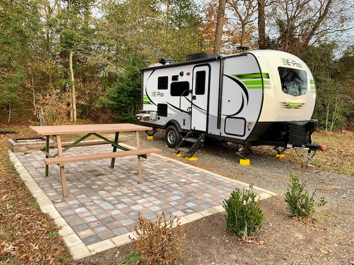 Brand New RV for Winter Camping in Williamsburg!