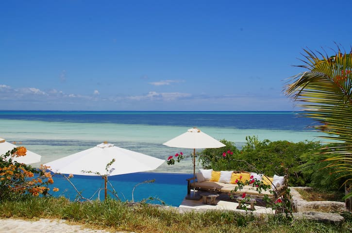 Paradise on the Turquoise Indian Ocean - Michamvi Kae - Boutique hotel