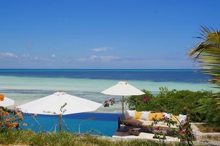 Paradise on the Turquoise Indian Ocean - Michamvi Kae - Бутик-отель
