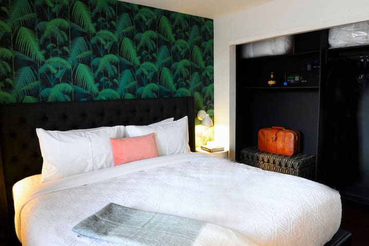 Bold One Bed at Stay Alfred SoBro