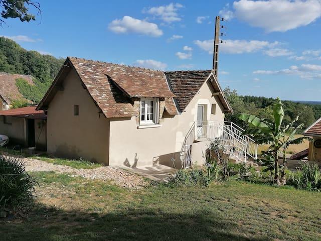 Maisonnette à la campagne