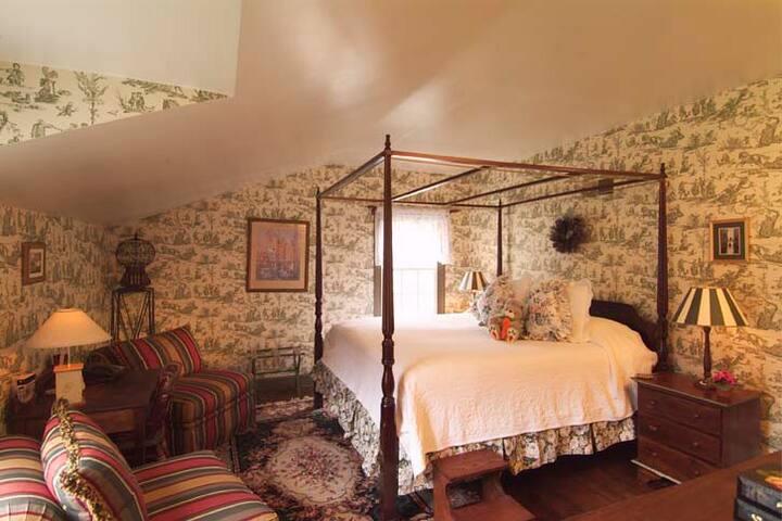 Pennsbury Inn/ The Four Seasons Room