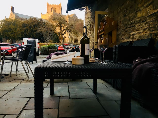 Unsworth Yard Wine Snug opposite The Priory