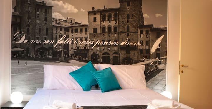 Camera con vasca idromassaggio a cuore, Arezzo