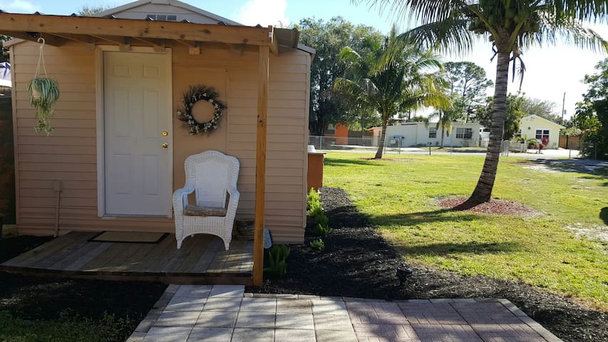 "Lil ""Love Shack"" * West palm beach - West Palm Beach - Huoneisto"