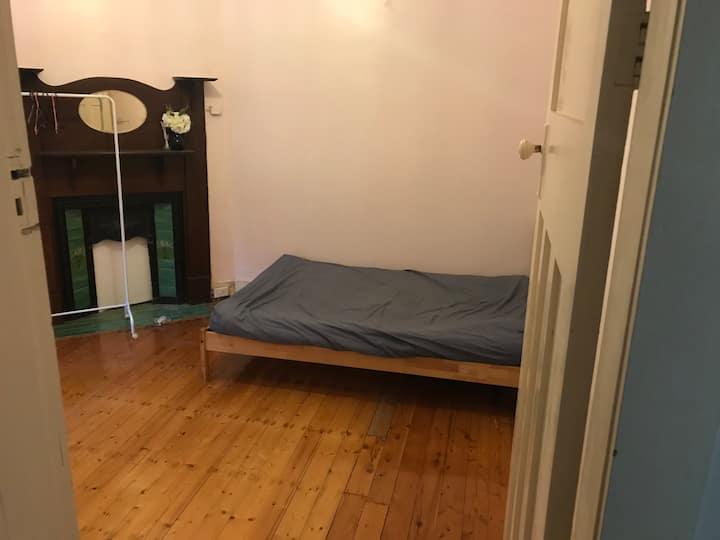 Hurstville house, one room to share.