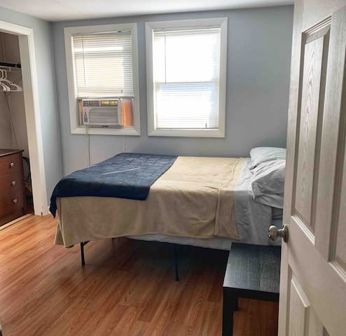 A room for rent in the Suburbs of Boston