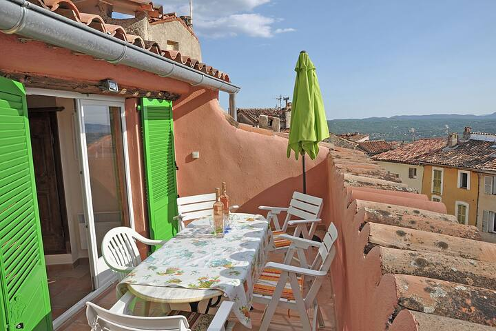 Sun-kissed Villa in Fayence with Terrace