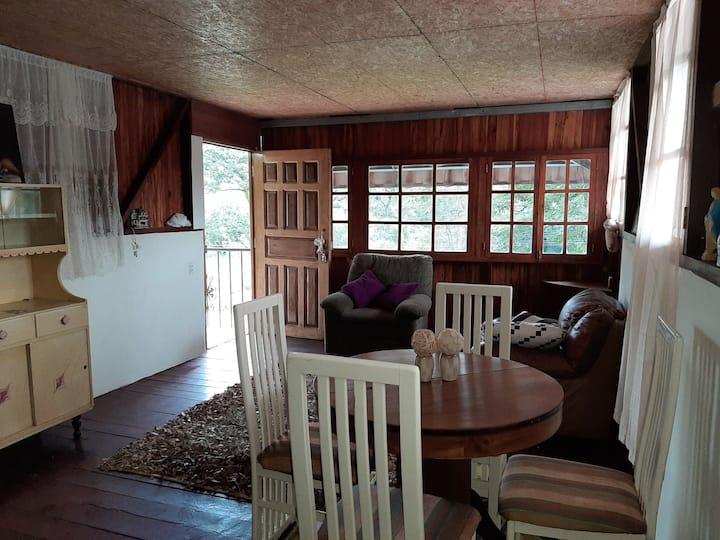 Villa Eloisa  cabaña 1 rec. tel 66962008