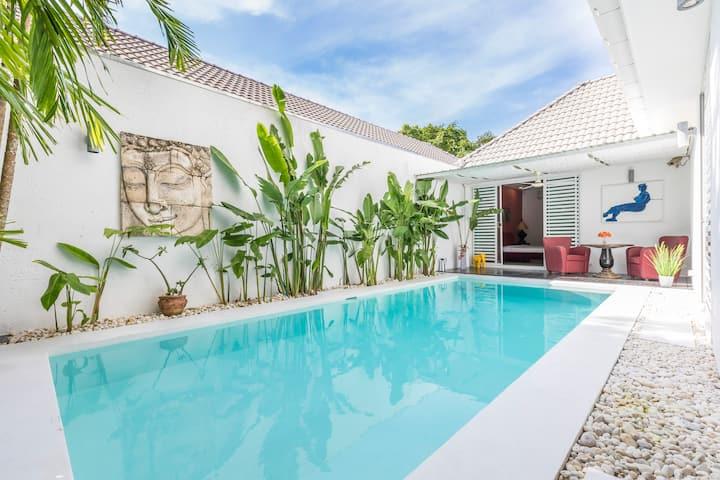 Private Cozy Pool Villa