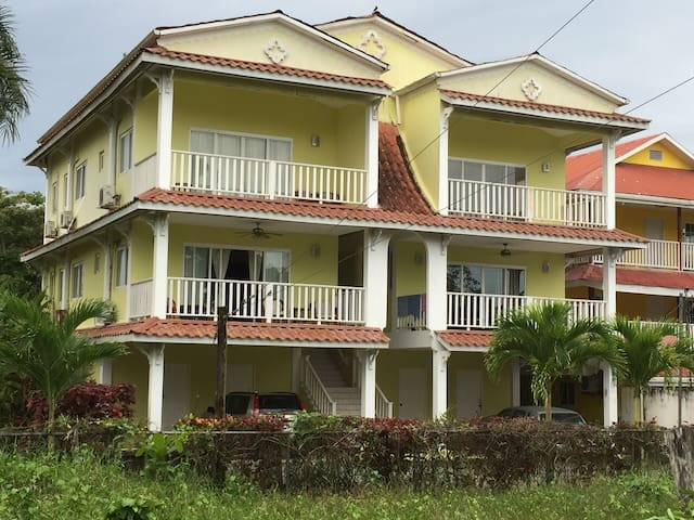 Condo Isla Colon, Bocas del Toro - good location - Bocas del Toro Province - Apartment
