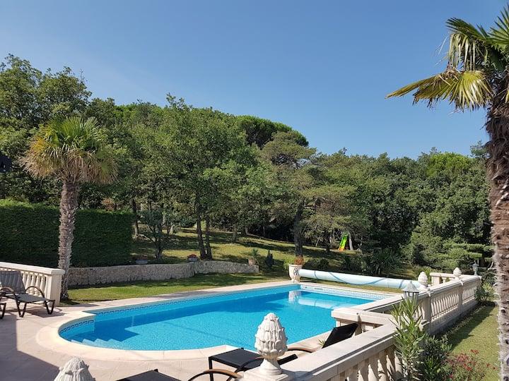 Villa in Drome of Provence. Beautiful services.