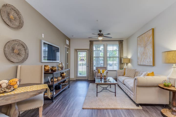 Apt living at its finest | 2BR in Jacksonville