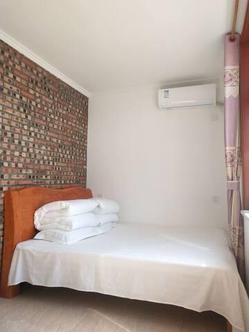 特色大床房1.8x2米